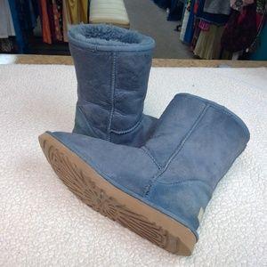 UGG Austrailia Classic Short II Blue Boots GUC